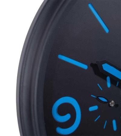 Reloj de pared metálico